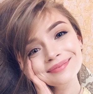 Остроухова Татьяна
