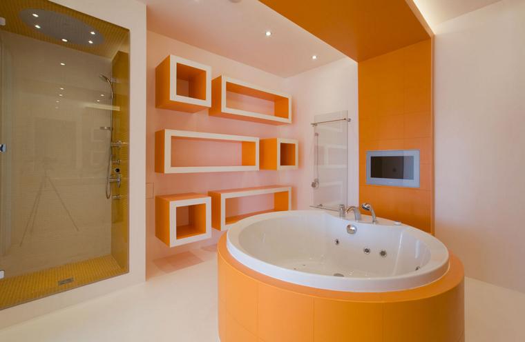 Bathroom with Jacuzzi,
