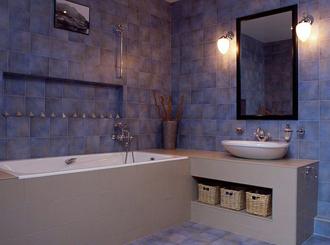 Ванные комнаты сиреневого цвета