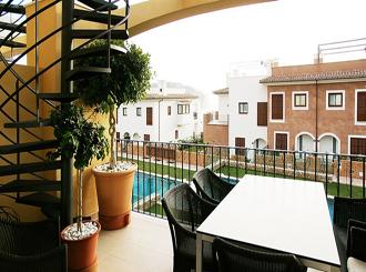 Фото красивого балкона в частном доме
