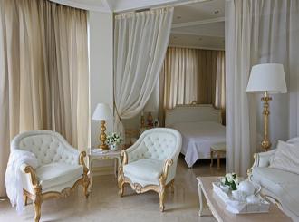 Фото белых спален в классическом стиле