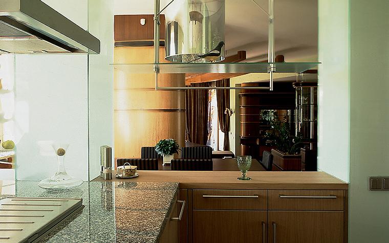 Фото № 10326 кухня  Загородный дом