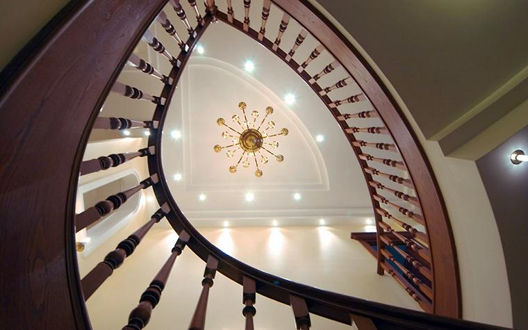 Загородный дом. холл из проекта , фото №1892