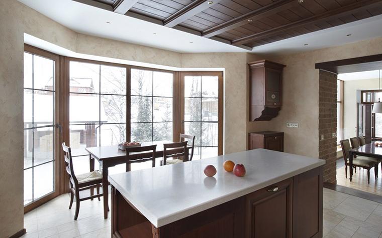 <p>Автор: Архитектурная группа &laquo;А+А&raquo;</p> <p>По-японски прост дизайн кухни с эркером и в этом загородном доме.</p>
