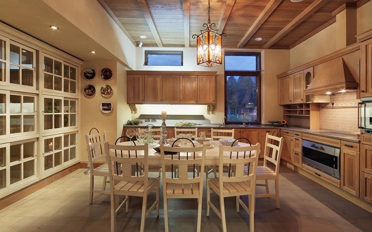 Фото № 7368 кухня  Загородный дом
