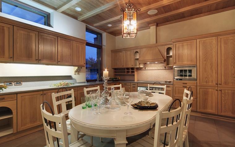Фото № 7369 кухня  Загородный дом