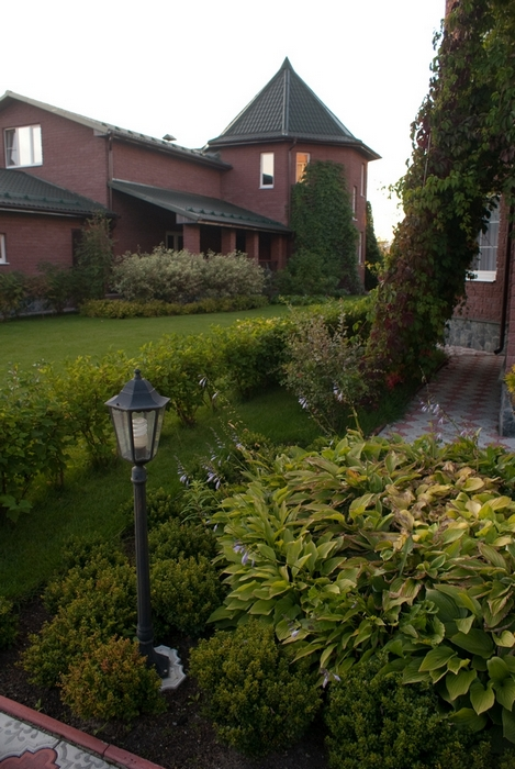 Варианты дизайна дворов в частных домах: фото дизайна дворов