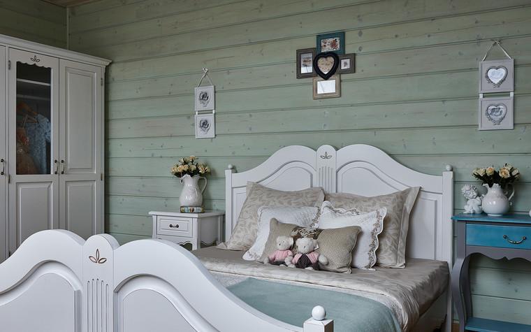 Загородный дом. спальня из проекта Дом из бруса Нежность, фото №80807