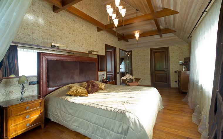 Фото № 11739 спальня  Загородный дом