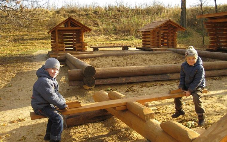 Фото № 11188 детская площадка  Загородный дом