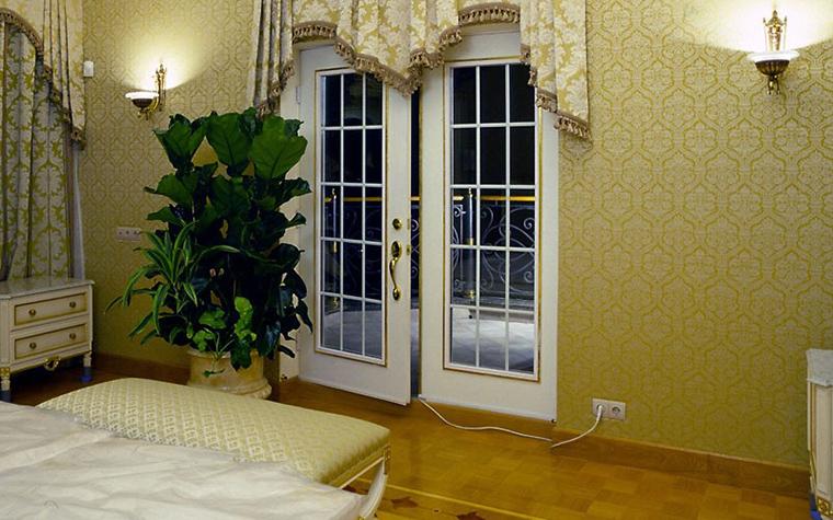 Фото № 12504 спальня  Загородный дом