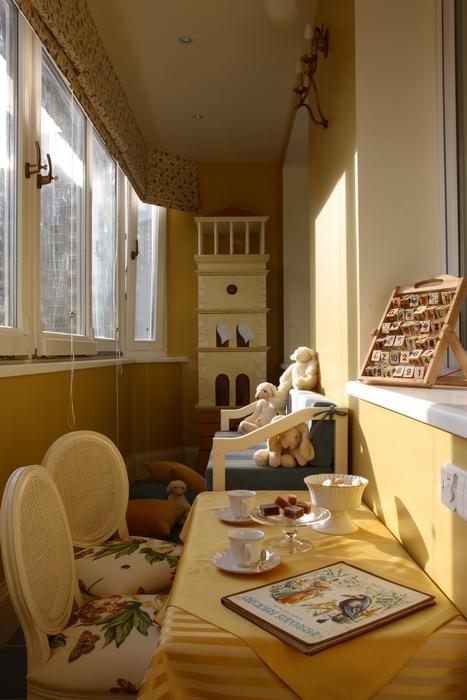 <p>Автор проекта: Татьяна Аленина</p> <p>Балкон может стать отличной игровой комнатой, продолжением детской. Хороший вариант!</p>