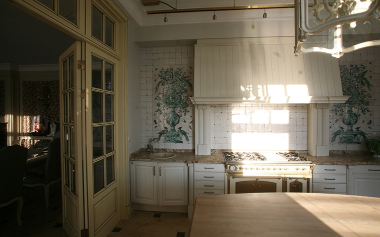 Фото № 12693 кухня  Загородный дом