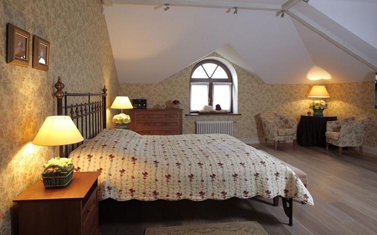 Фото № 12844 спальня  Загородный дом
