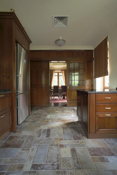 Фото № 15445 кухня  Загородный дом