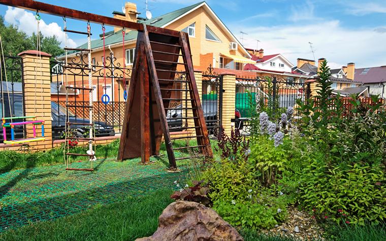 Загородный дом. детская площадка из проекта , фото №17567