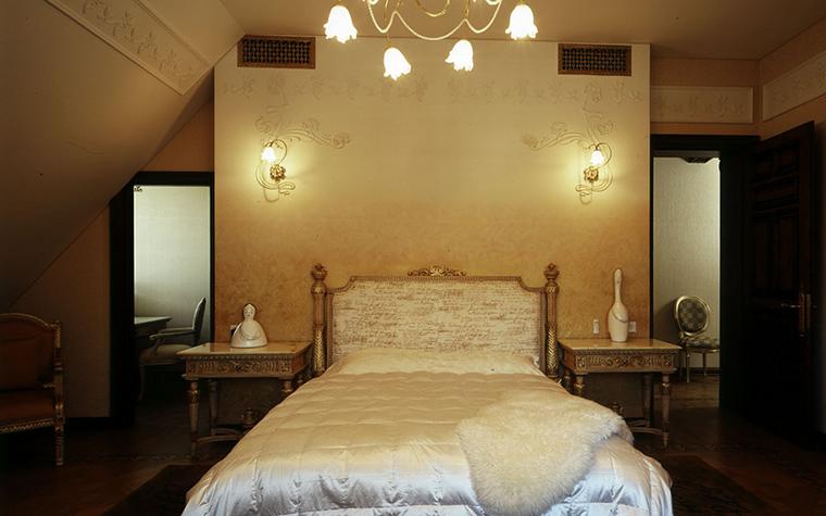 Фото № 17984 спальня  Загородный дом