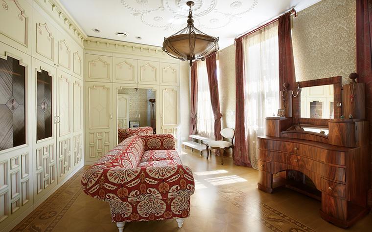 <p>Автор проекта: Вануни Артур (МАО)<br /> Фотограф: Лившиц Дмитрий</p> <p>И еще один вариант дворцовой классики. </p>