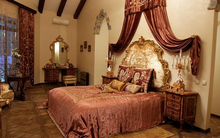Фото № 18666 спальня  Загородный дом
