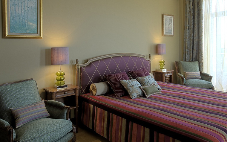 Фото № 18736 спальня  Загородный дом