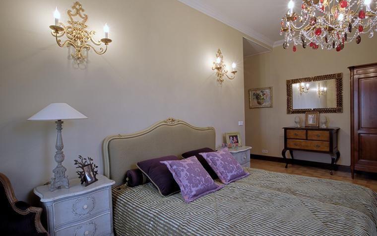 Фото № 18738 спальня  Загородный дом