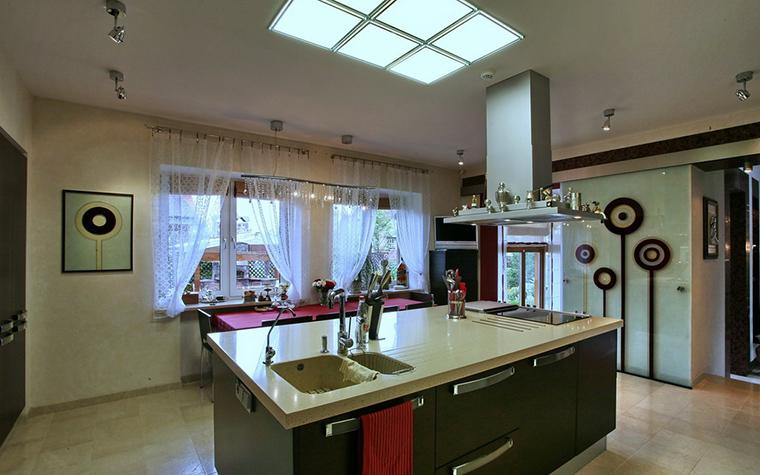 Фото № 19361 кухня  Загородный дом