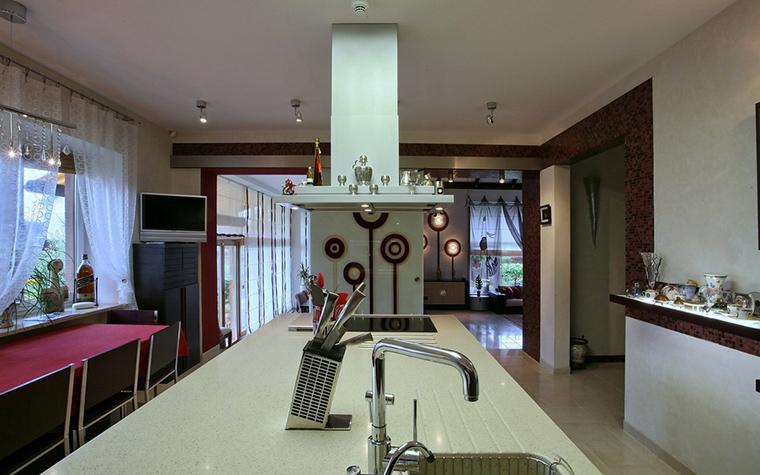 Фото № 19362 кухня  Загородный дом