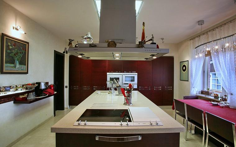 Фото № 19363 кухня  Загородный дом