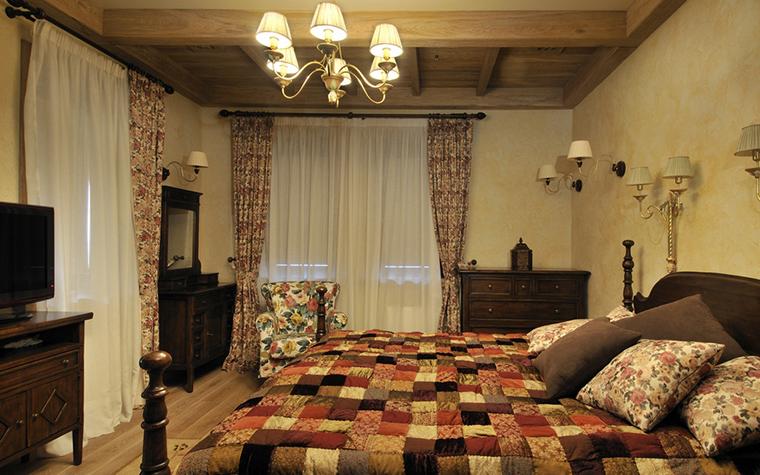 Фото № 20423 спальня  Загородный дом