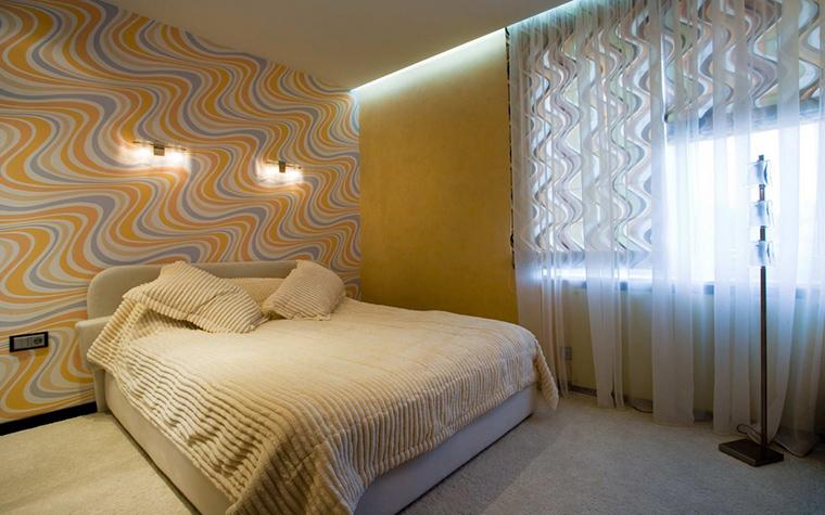 <p>Автор проекта: Игорь Горшков.&nbsp;</p> <p>Желтый цвет можно использовать в спальнях. Но лучше, чтобы он был не ярким, чистым, а приглушенным, сероватым, ближе к охре. </p>