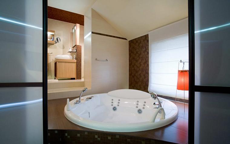 Фото № 22047 ванная  Загородный дом