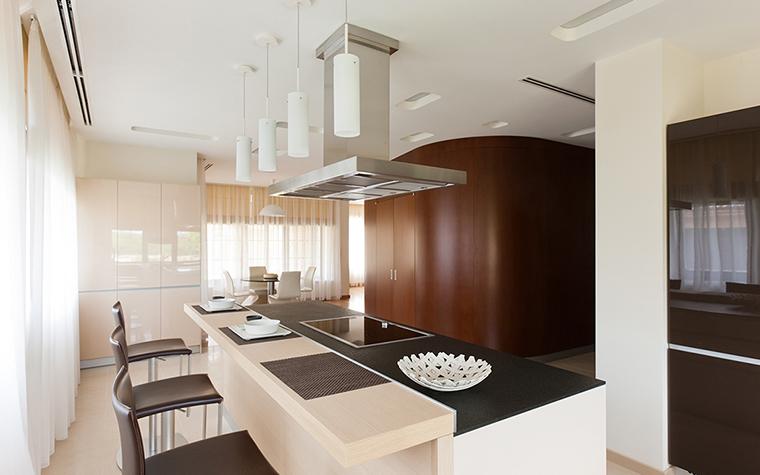 Фото № 29017 кухня  Загородный дом