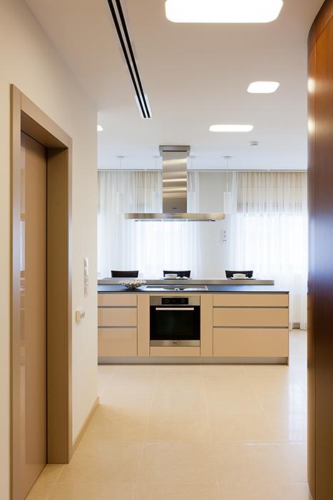 Фото № 29019 кухня  Загородный дом