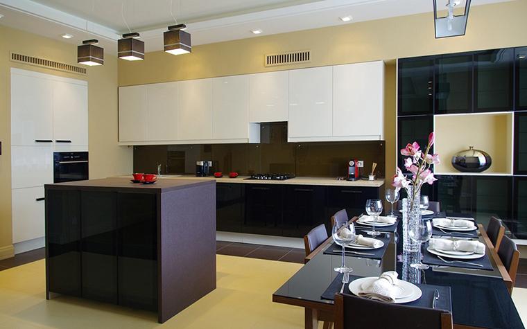 Фото № 30347 кухня  Загородный дом