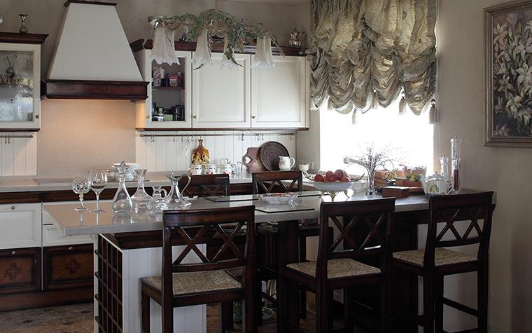 Фото № 32532 кухня  Загородный дом