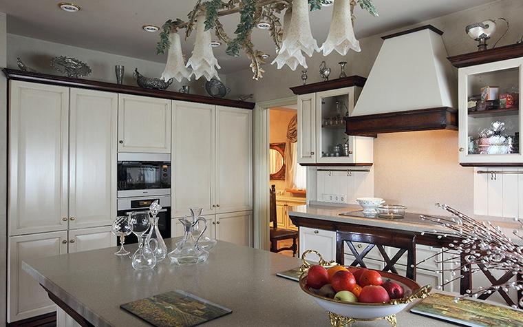 Фото № 32533 кухня  Загородный дом