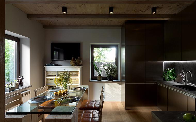 Фото № 37753 кухня  Загородный дом