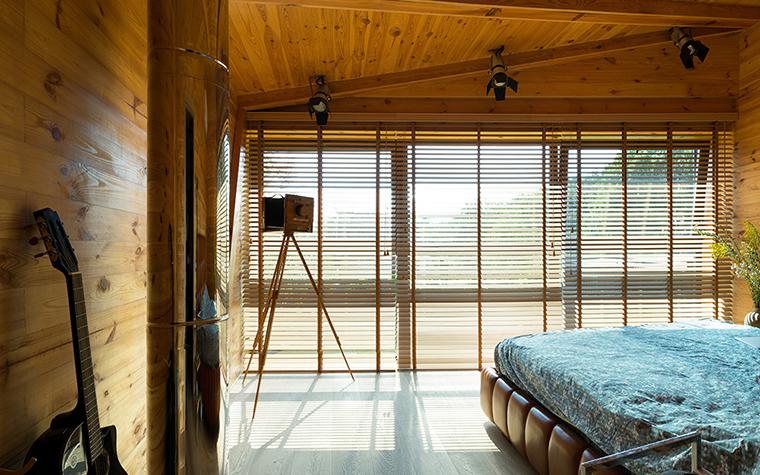 Фото № 37736 спальня  Загородный дом