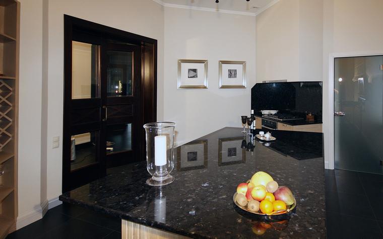 Фото № 39719 кухня  Загородный дом
