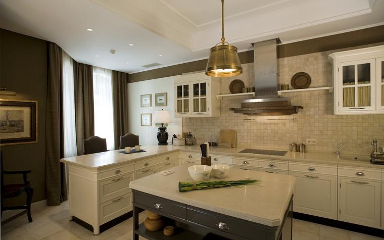 Фото № 40057 кухня  Загородный дом