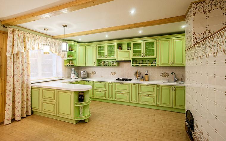 Фото № 42468 кухня  Загородный дом