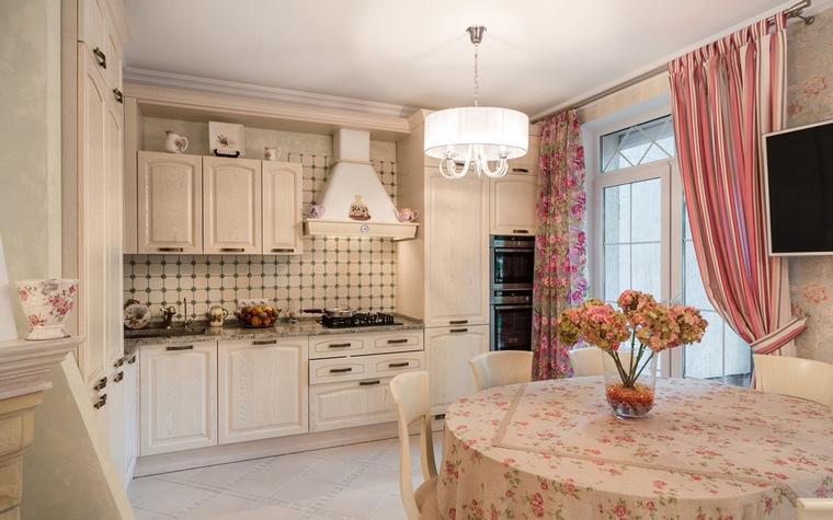 Интерьер кухни-гостиной в стиле прованс