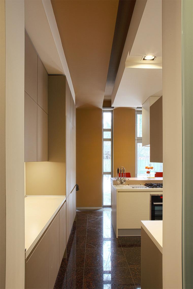 Фото № 44555 кухня  Загородный дом