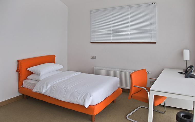 Загородный дом. спальня из проекта , фото №44620