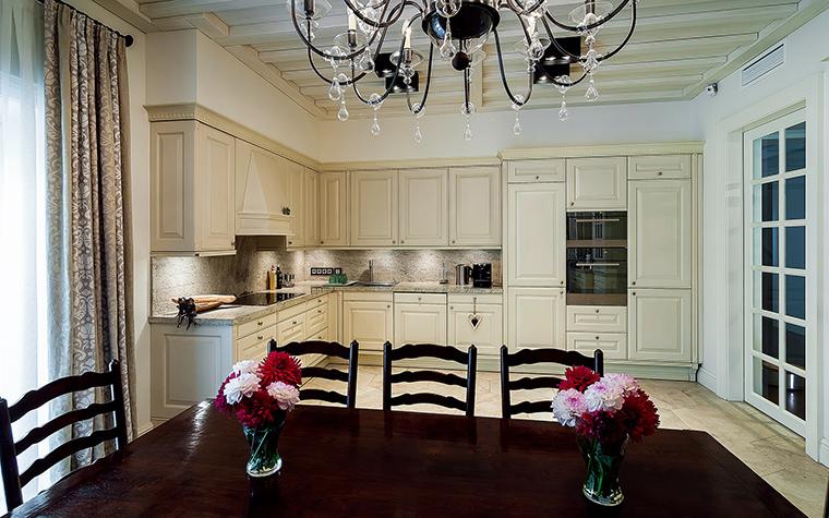 Фото № 47527 кухня  Загородный дом