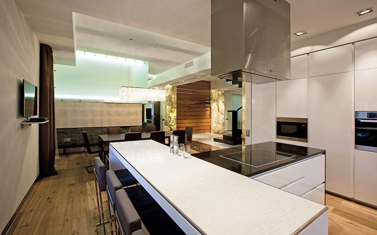 Фото № 53522 кухня  Загородный дом