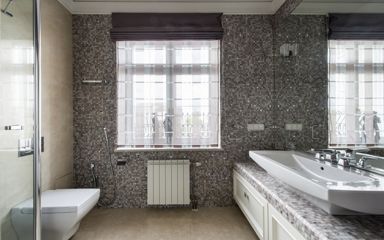 <p>Автор проекта:   АрхКонцепт<br /> Фотограф: Алексей Камачкин</p> <p>Большая ванная комната - это всегда хорошо! Ну, а если она еще и с окном, то это просто великолепно!</p>