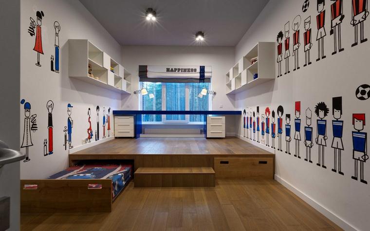 <p>Автор проекта: Виктория Якуша</p> <p>Модульная мебель, разноуровневый пол, стены, оформленные а-ля граффити - всё это весело!</p>