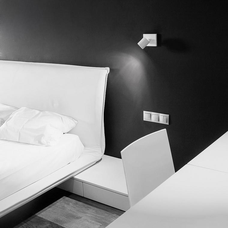 <p>Автор проекта: бюро LINE architects</p> <p>Современный дизайн интерьера спальни предполагает и строгий монохром. Точный ритм чёрного и белого цветов - это для людей деловых, знающих всему цену, в том числе, и хорошим интерьерам. </p>