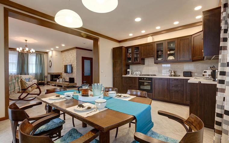 <p>Автор проекта: Наталья  Максименко</p> <p>Для совмещённого варианта кухня - гостиная желательны. большие площади.</p>